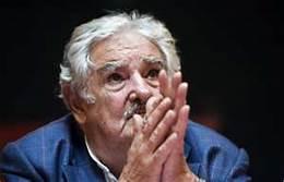 mujica looking up:press conf